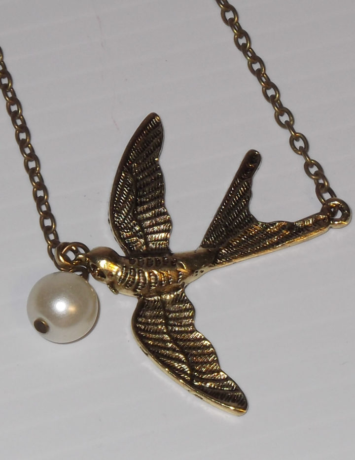 Swallow with Pearl Drop Ladies Evening Fashion, Necklace Pendant